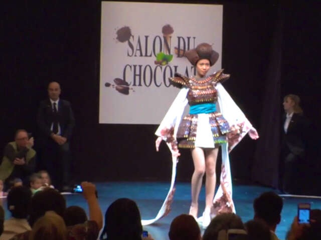 Forget Chocolate Bunnies. Check out this Video of Chocolate Dresses in a Paris Fashion Show