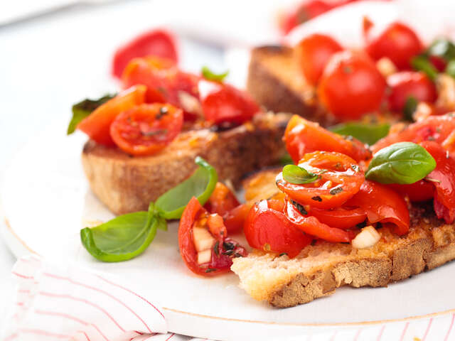 Recipe of the Month — Bruschetta with Tomato and Basil
