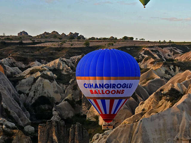 turkey balloon Capadocia banner.jpg