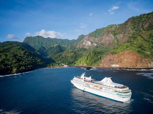 Paul Gauguin Cruises Named Top for Honeymooners