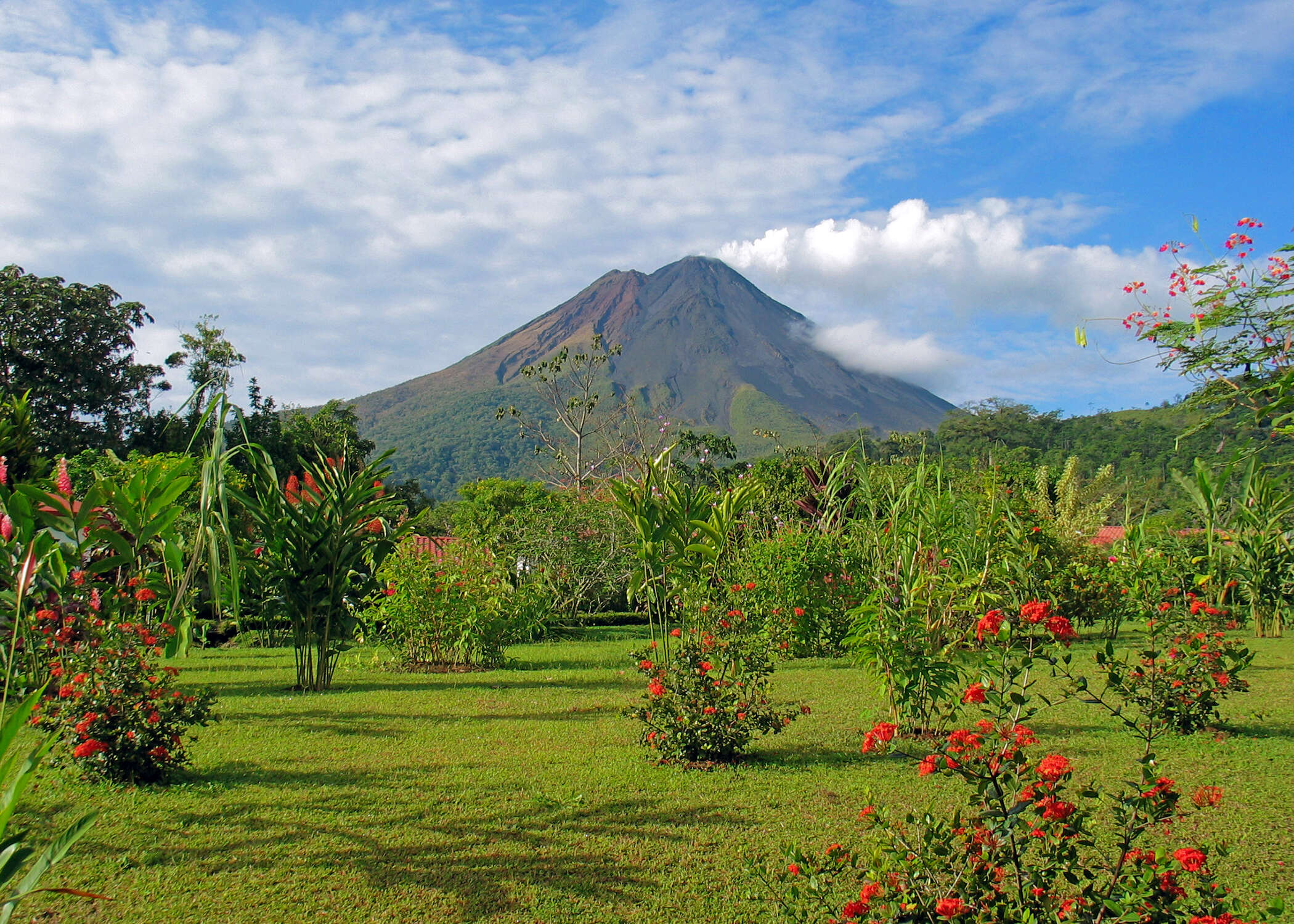 104.3 The Breeze with Kelly Latremouille and Forbes Travel present…Tropical Costa Rica