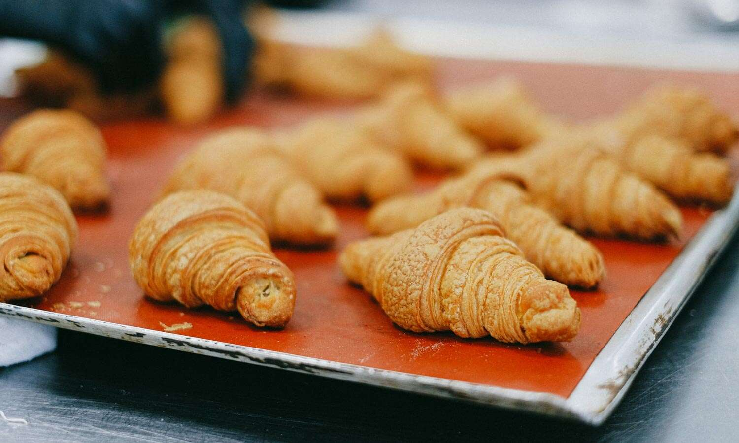 Where to find (and eat) the absolute best croissants in Paris