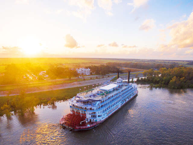 American Queen Steamboat Company  Becomes Only Fully Vaccinated U.S. River Cruise Line and Announces Savings