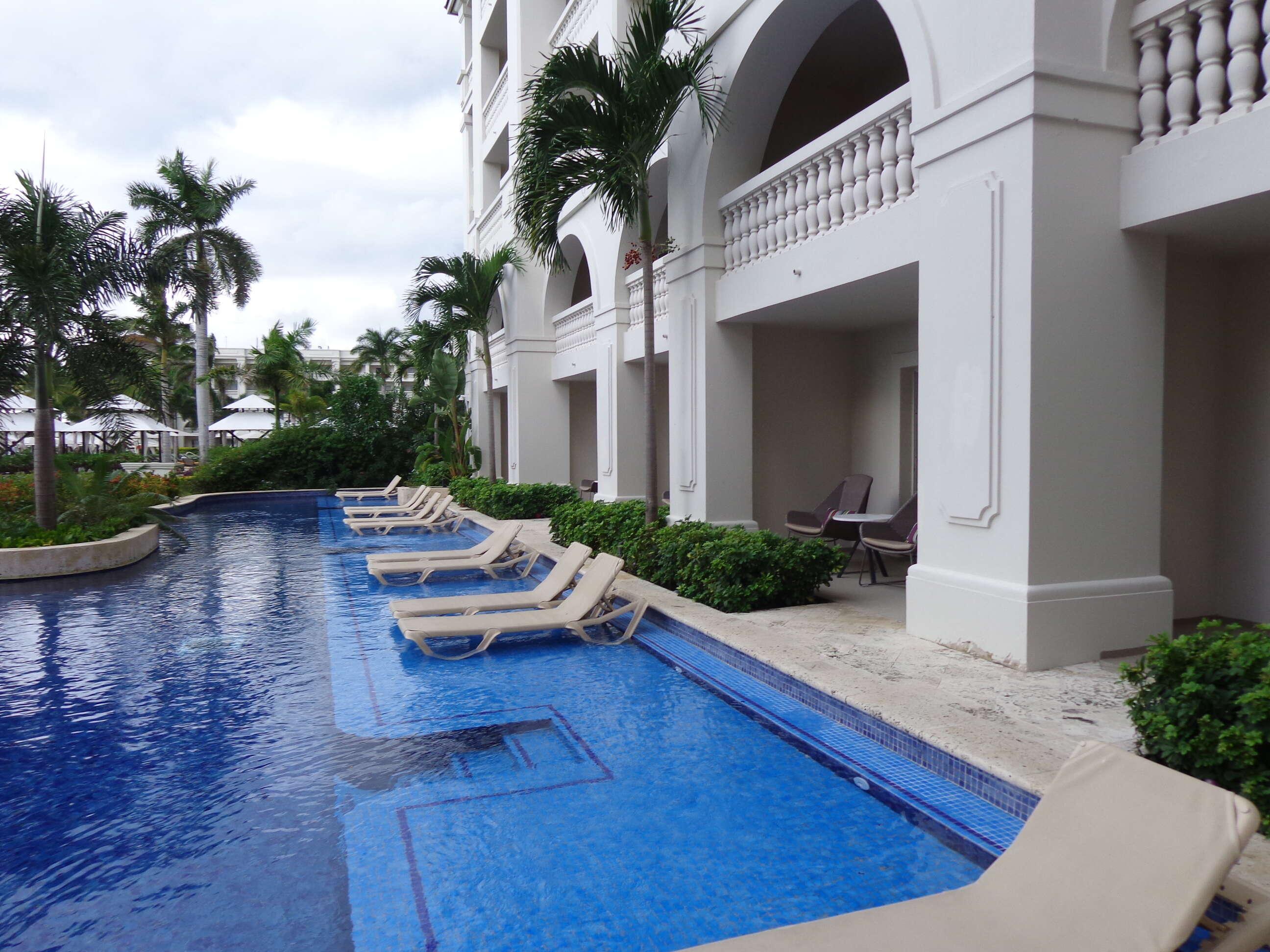 Picking the right Honeymoon Resort