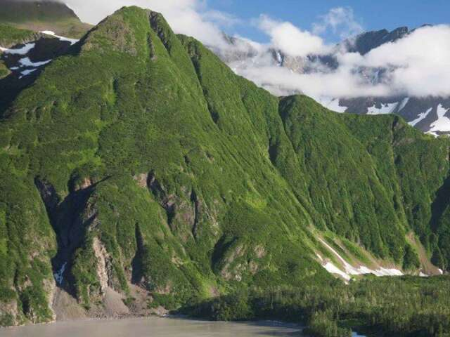 Alaskan Adventure with Aleutian Islands