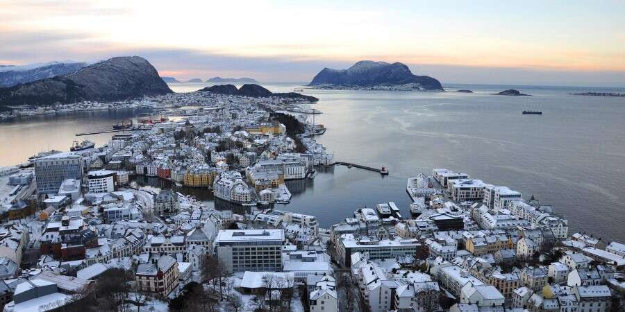 Art Nouveau and Undersea Wonder - Ålesund  - Half Day