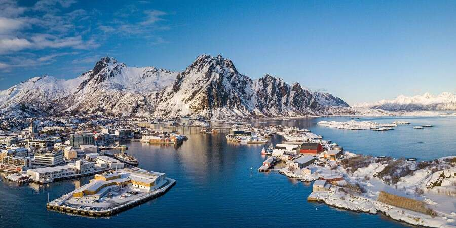 In the Auroral Zone - Reine and Svolvær  - Full Day