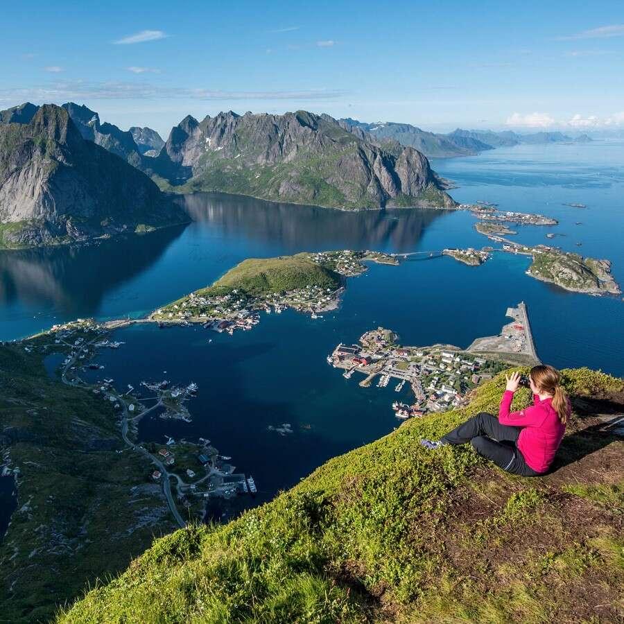 Iconic Lofoten landscapes - Reine, Norway
