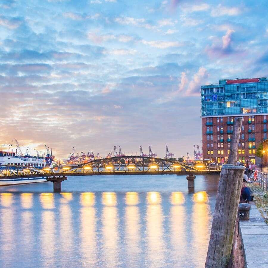 Sailing toward Christmas and New Year's in Norway - Hamburg