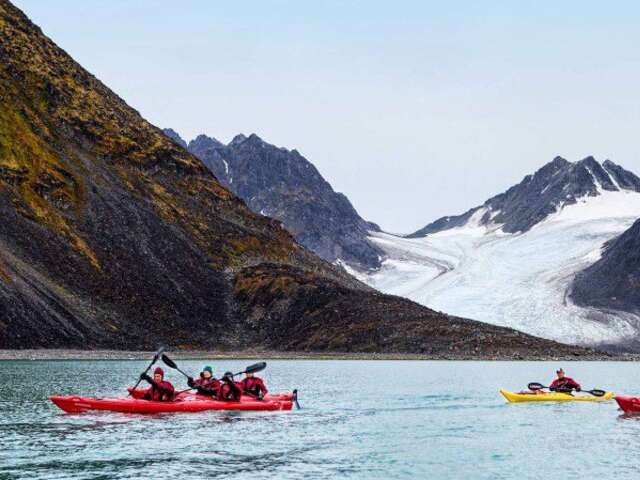 Circumnavigating the Svalbard Archipelago