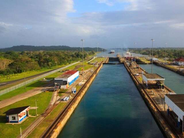 Andean Coast Expedition and Panama Canal - Southbound