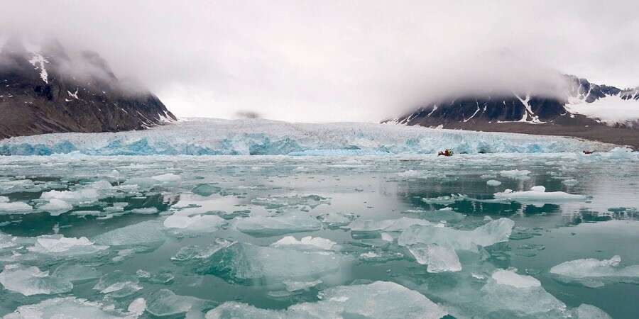 Mighty Glaciers, Deep Fjords and Amazing Mountains - North West Spitsbergen National Park