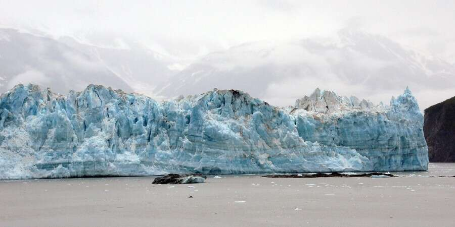 Magnificent Iceberg Cruising - Cruising the Hubbard Glacier