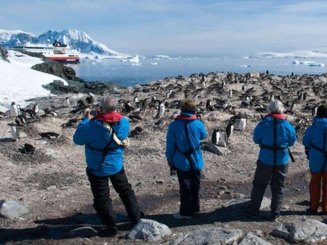 Adventure  to Antarctica - Highlights of the Frozen Continent (Buenos Aires - Buenos Aires)
