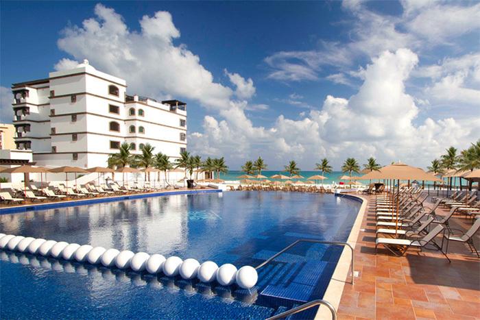 Grand Residences Riviera Cancun 4.5 Star pool