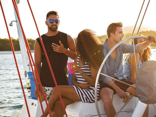 Reefs and Rainforests with Sailing (Start Sydney - From Apr 2019)(Multi Share,Start Sydney, End Cairns)