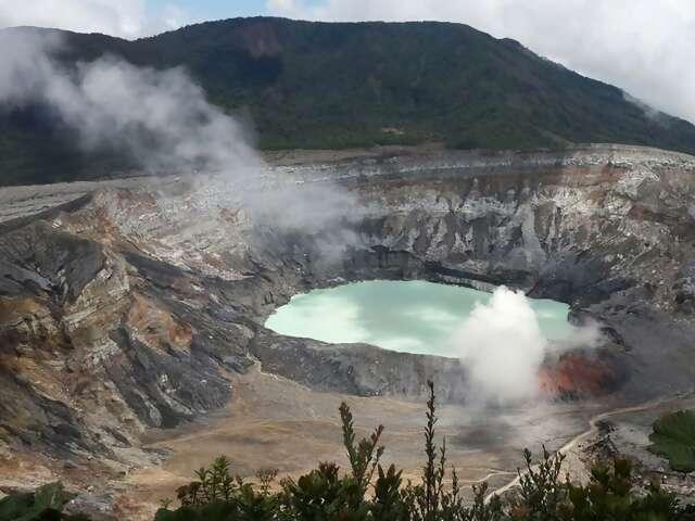San Jose Day Tour: Poas Volcano (full day)